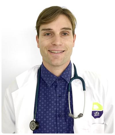 DR. CARLOS DE CASTRO LEÓN. Médico especialista en pediatría