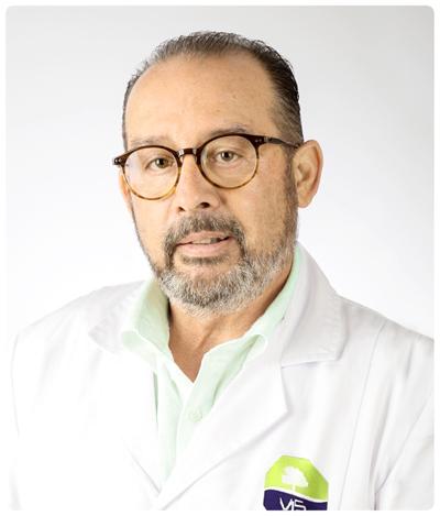 DR. JESUS CUADRADO BLANCO. Médico especialista en traumatología, cirugía ortopédica y traumatología.